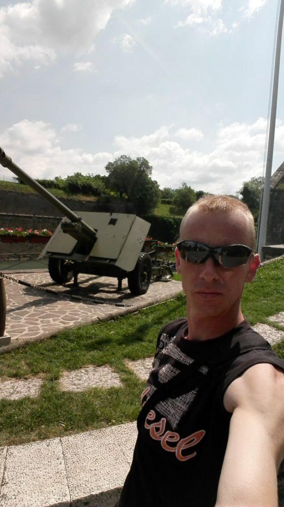 Geocaching Italië - Monumento agli artiglieri e Porta Brescia